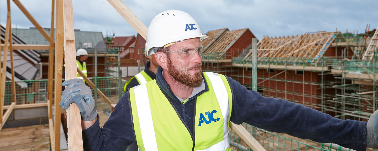 AJC Carpentry Southern Limited - Carpenters on building site